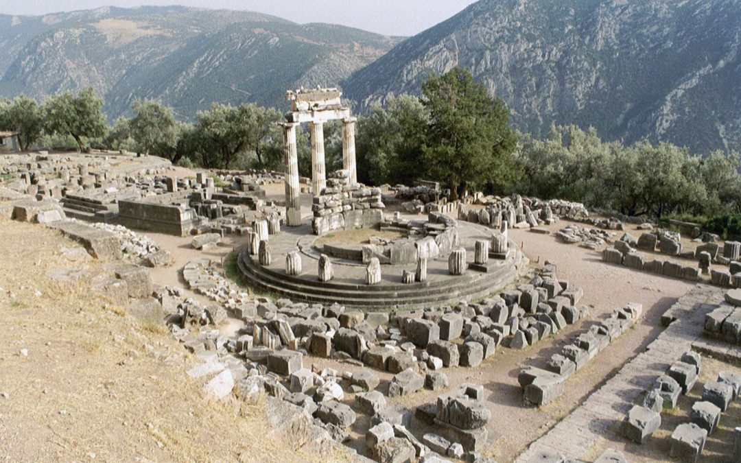 8 Best Tourist Attractions In Greece